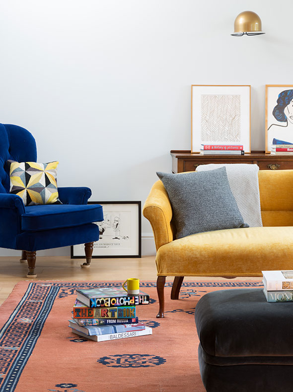 Oxford interior designers living room showing preowned vintage chairs reupholstered by Galapagos Design in coloured velvets